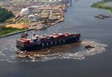 Updated Wilmington Port Welcomes Largest Container Ship Ever